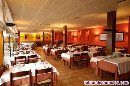 Venta restaurante con pisos y tienda cerca figueres