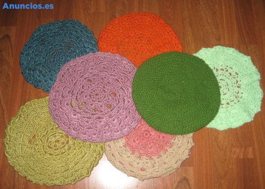 Lote De Boinas De Varios Colores En Ganchillo