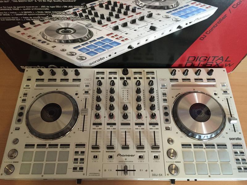 Pioneer DDJ-SX controlador de DJ por sólo 430 euros /