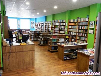Se traspasa librería especializada, con más de 20 años de