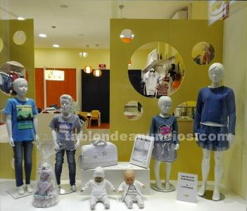 Se traspasa tienda de ropa infantil