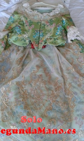 Se vende traje de fallera para niña de 8 a 10 años