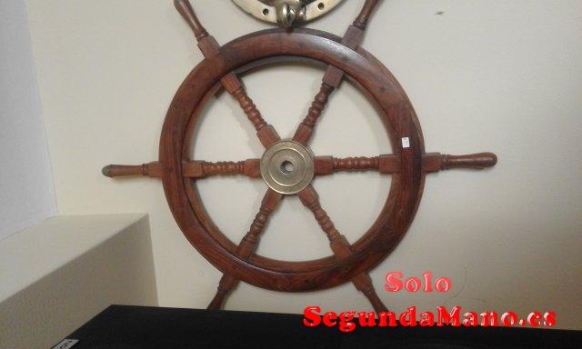 Timon de barco de madera de caoba y laton (129a)