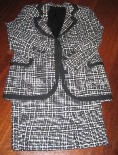 Traje chaqueta de entretiempo color blanco y negro