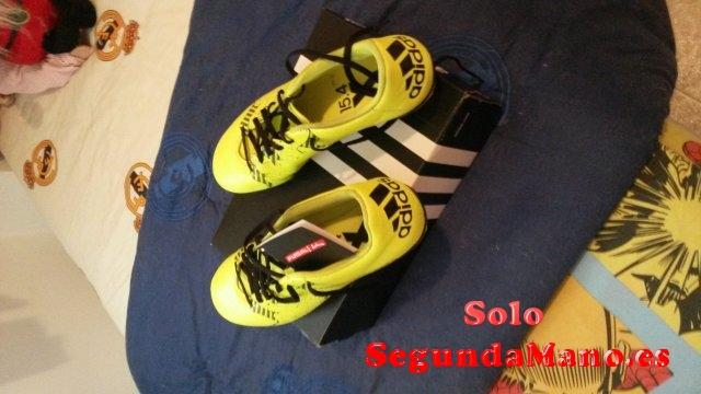 Vendo botas de futbol.