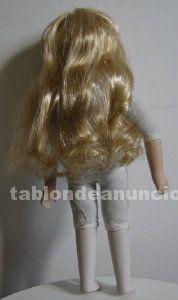 Preciosa muñeca de porcelana hecha a mano