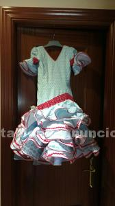 Traje de flamenca con un solo uso, talla 4
