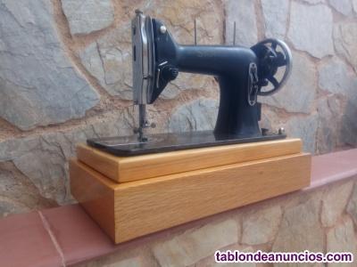 Maquina coser sigma negra antigua para decoración