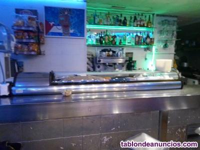 Vendo bar, restaurante en pleno funcionamiento...por