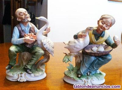 2 figuras porcelana pareja con cisnes