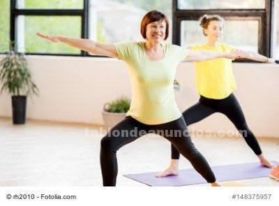 Clases de yoga para mayores de 50 años.