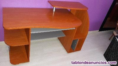 Escritorio y silla de escritorio