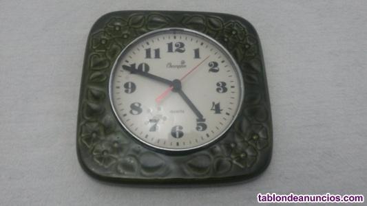 Reloj cocina de porcelana color verde