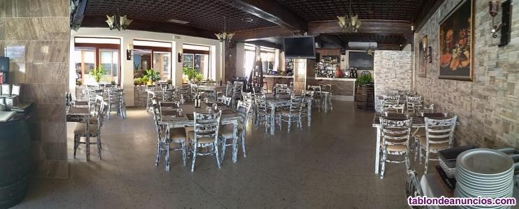 Un restaurante en la primera linea de la playa