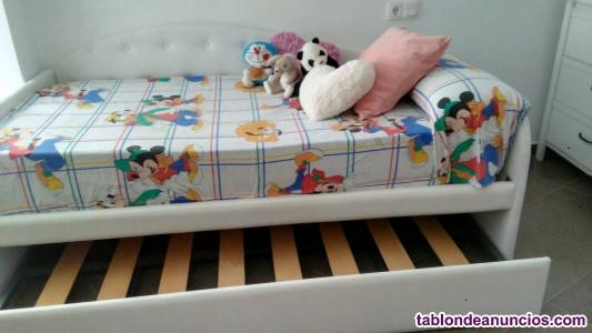 Vendo elegante cama juvenil femenina con armario y cómoda