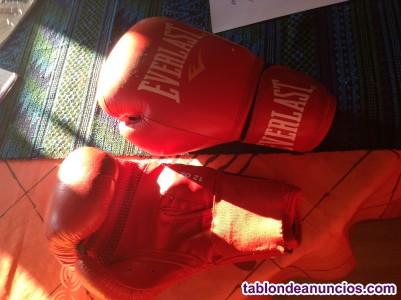 Venta de guantes de boxeo.