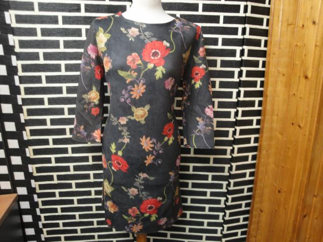 Vestido Sweet miss negro con flores