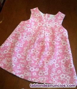 Vestido rosa con flores blancas