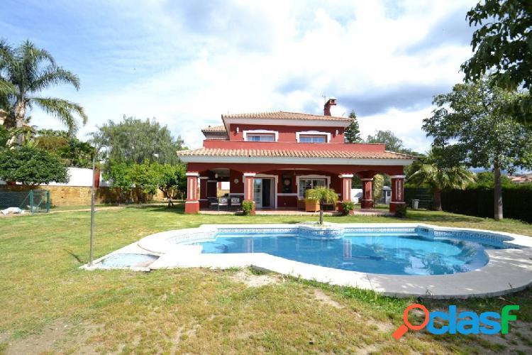 Villa de tres dormitorios con piscina privada y vistas al