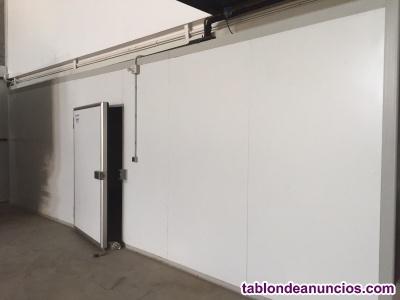 Excedentes en;cámaras,panel sándwich,túnel
