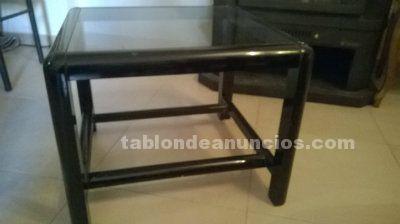 Mesa de centro negra con cristal por 6€