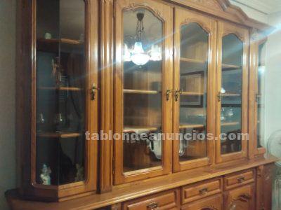 Mueble rústico de salón de madera de castaño + mesa