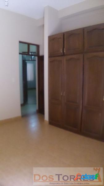 115$us Cerca San Simón, habitación con baño privado y