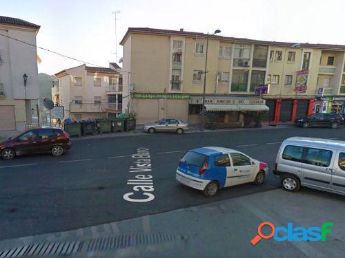 ALQU. o VENTA Cochera para coche pequeño frente a la
