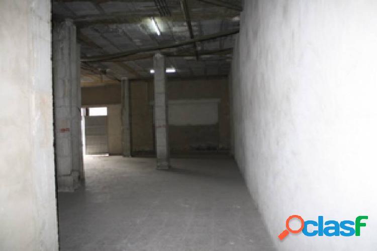 Alquiler. Bajo comercial en Orihuela a dos calles 180 m2.