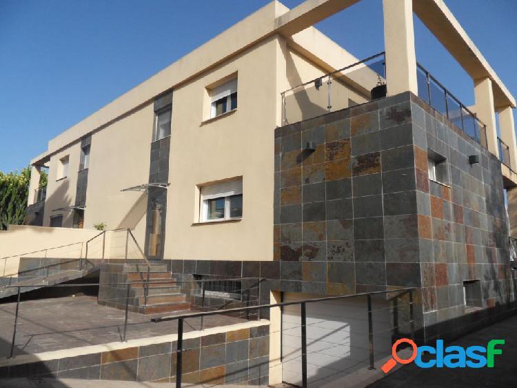 Alquiler Estupendo y lujoso Chalet en Alicante