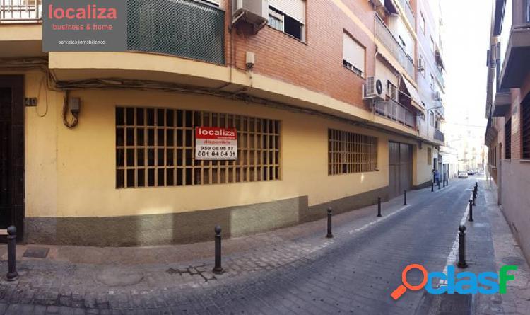 Alquiler o venta de local comercial en calle Santiago