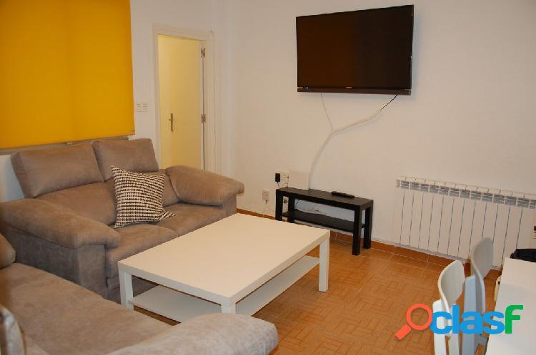 Alquiler piso 4 dormitorios junto a Camino de Ronda