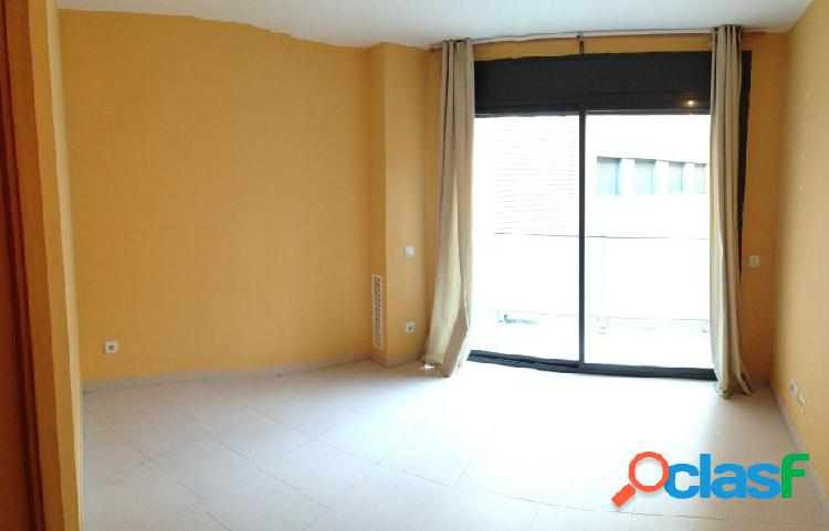 Alquiler piso en Plaça Glories luminoso con terraza