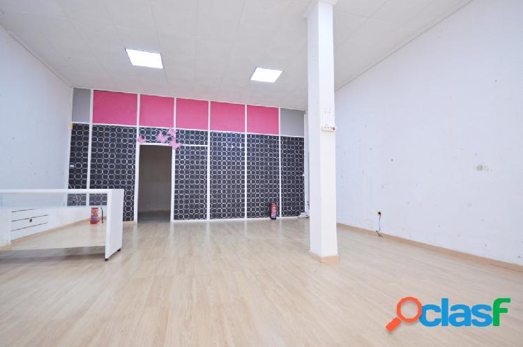 Amplio local comercial en zona centro de Torrejon de Ardoz.