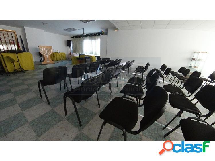 Amplio local de 196 m2 ideal para cualquier tipo de negocio
