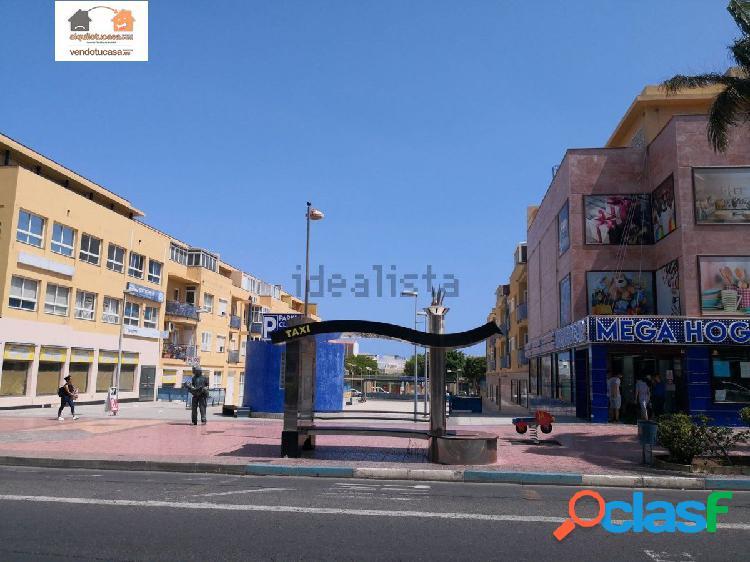 Amplio piso bajo con terraza en Avenida de Canarias