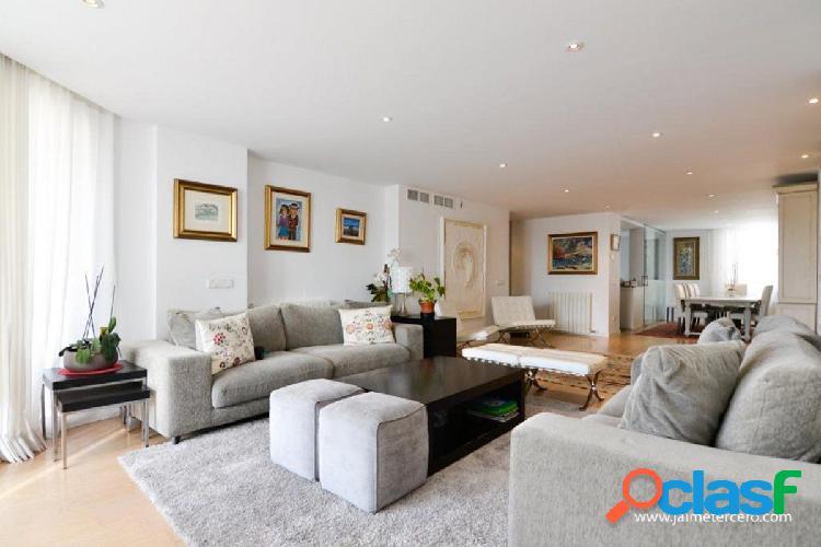 Amplio piso con terraza reformado y luminoso