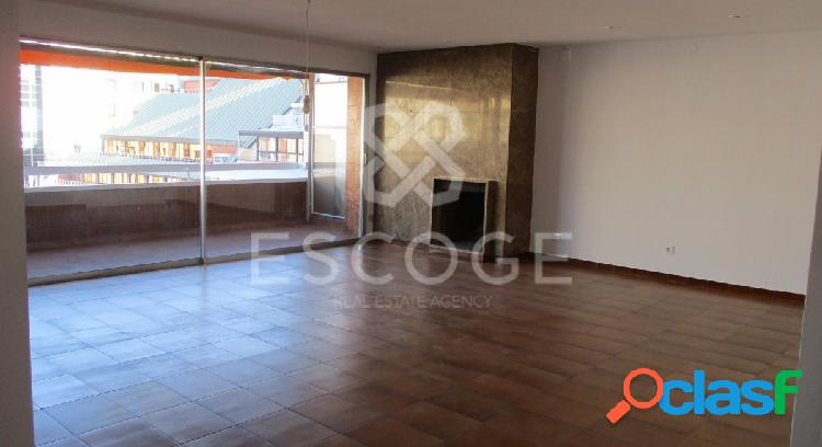 Amplio piso en alquiler junto a la Av. Diagonal