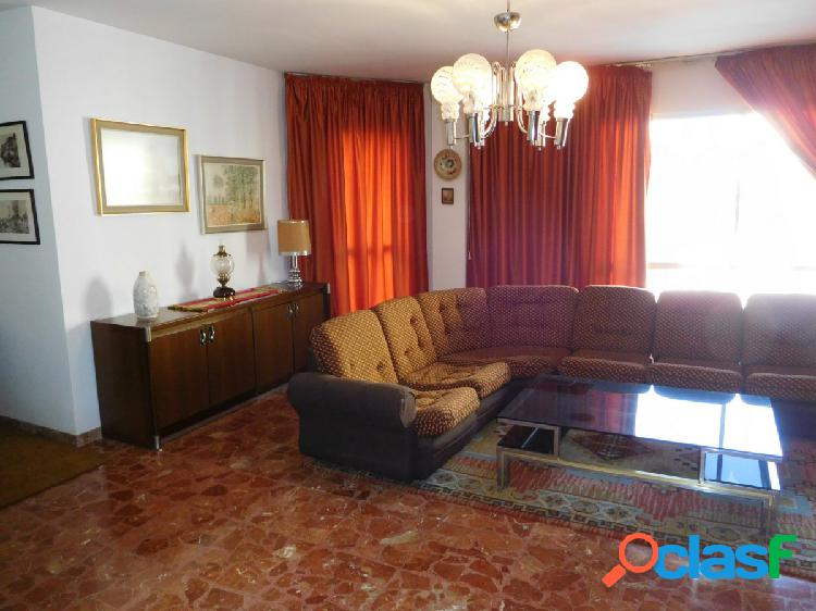 Amplio piso en el centro de Fuengirola