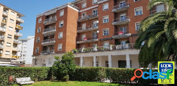 Amplio piso en el centro de Torrelavega con Inmobiliaria