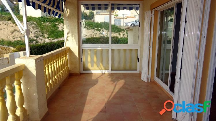 Amplio piso tipo bungalow con dos terrazas grandes en