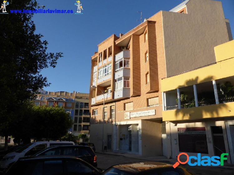 Amplio y luminoso piso de 4 dormitorios en El Ejido - zona