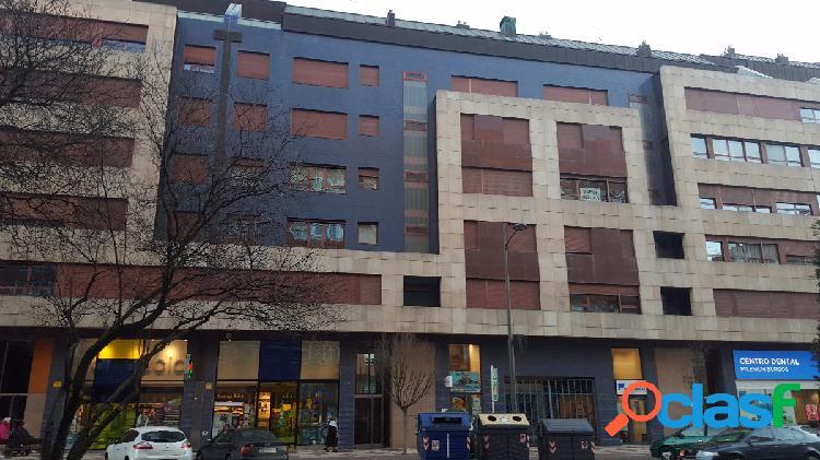 Apartamento Duplex a estrenar en Venida de la Paz.