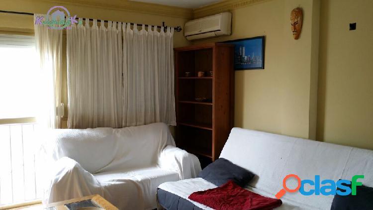 Apartamento a 200 metros de la playa en muy buen estado con