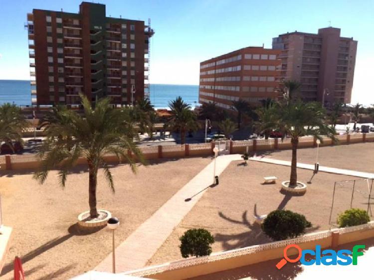 Apartamento a un paso del mar en Arenales del Sol