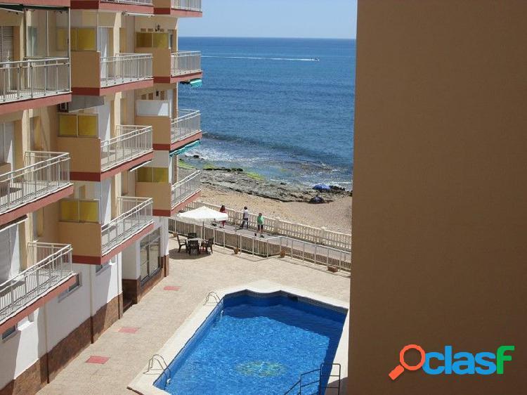 Apartamento con vistas frontales al mar en Torrevieja, Costa
