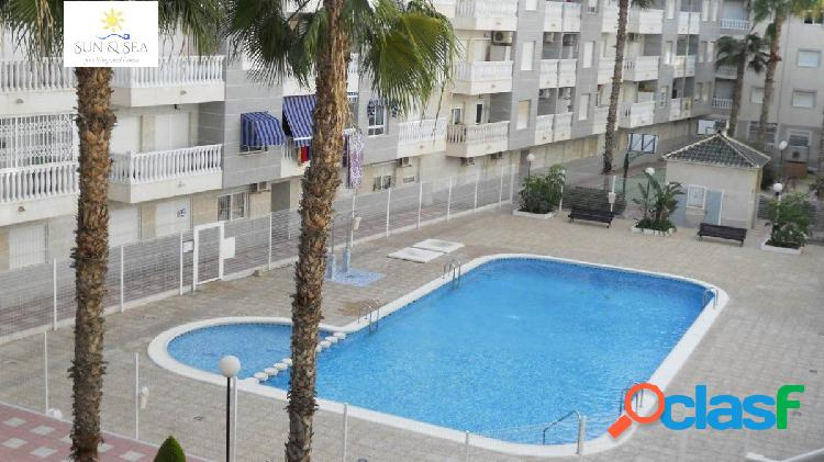 Apartamento de 2 dormitorios con garaje,trastero y piscina