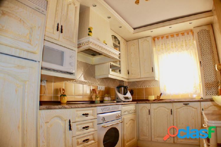 Apartamento de 3 dormitorios en pleno centro de Benidorm