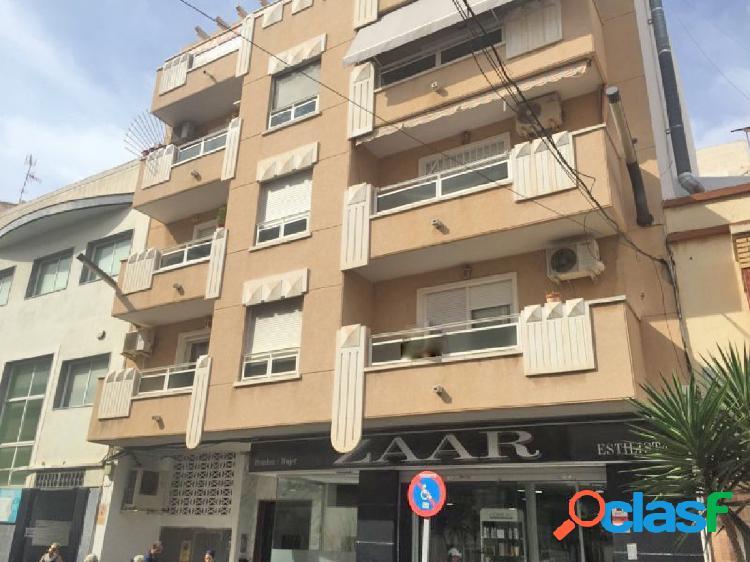 Apartamento de 3 dormitorios situado en el centro Torrevieja