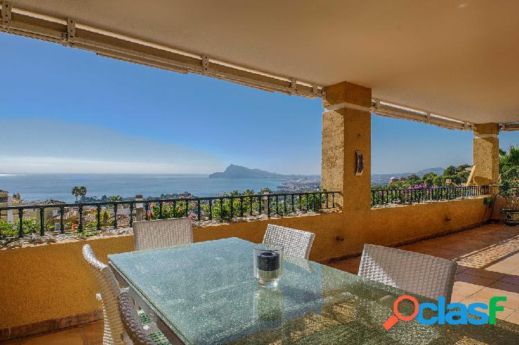 Apartamento de lujo con espectaculares vistas al mar en